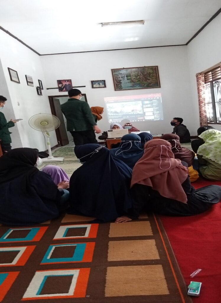Pengenalan Probabilitas Pada Remaja Karangtaruna Desa Sakung Klaten
